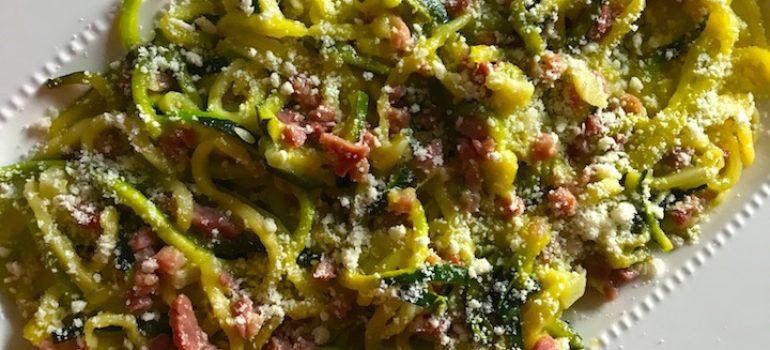 Espaguetis de calabacín con jamón