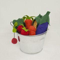 Cesta con frutas y verduras tela