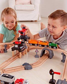 Trenes, coches y garajes
